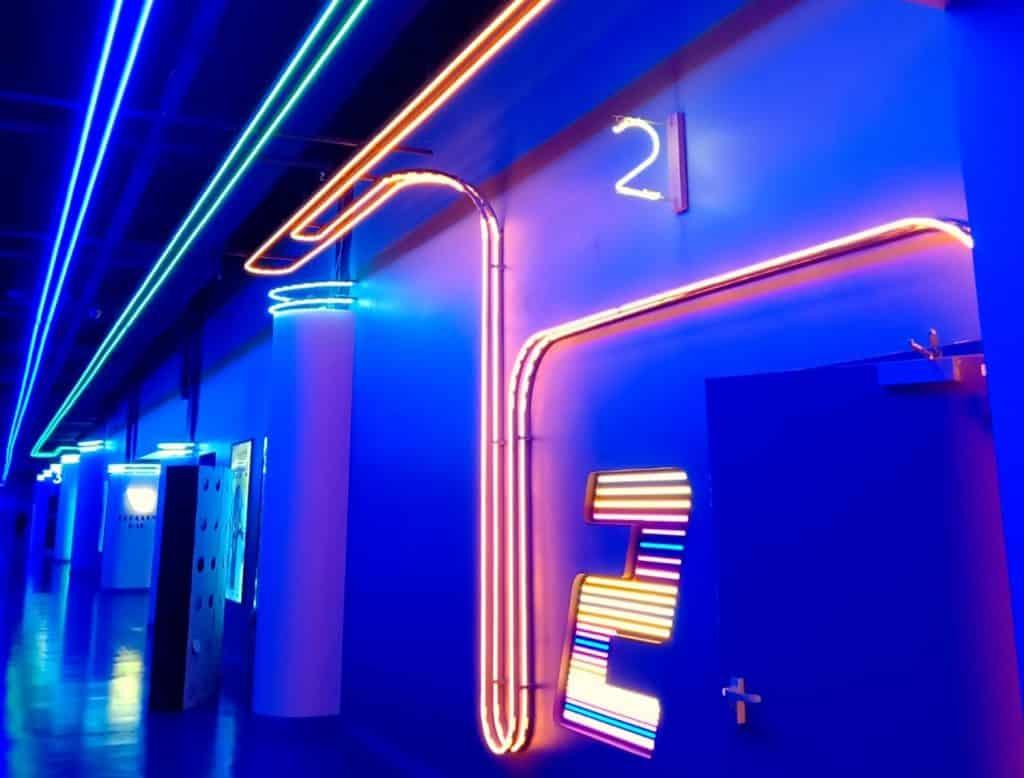 Neonflex_12